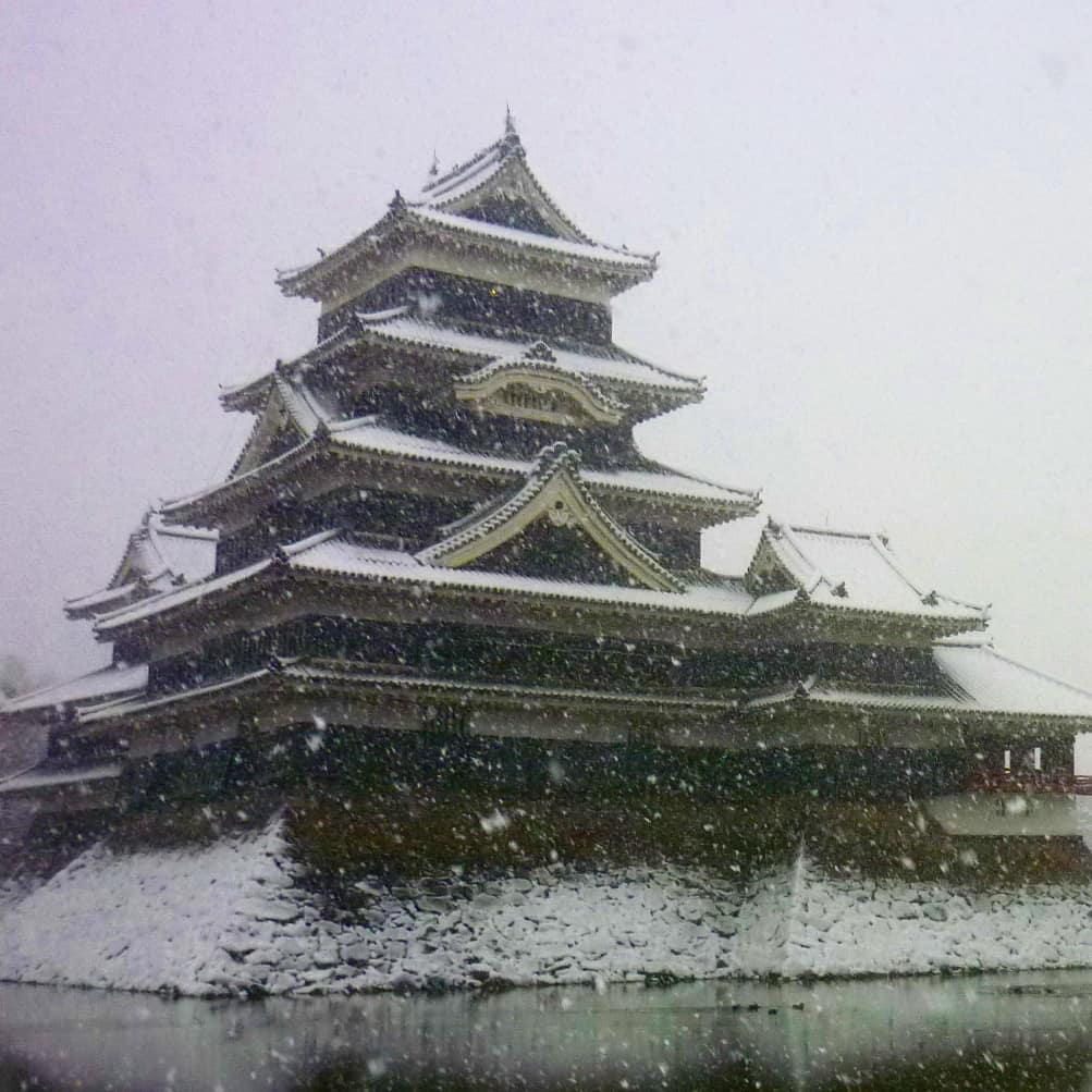 le château en hiver et neige