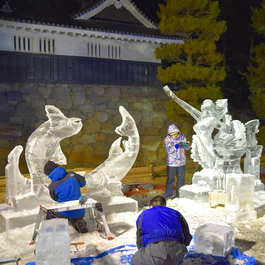 travail au Festival de Sculpture sur Glace