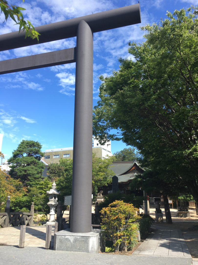 Living and Working in Historical Downtown Matsumoto nawate shrine