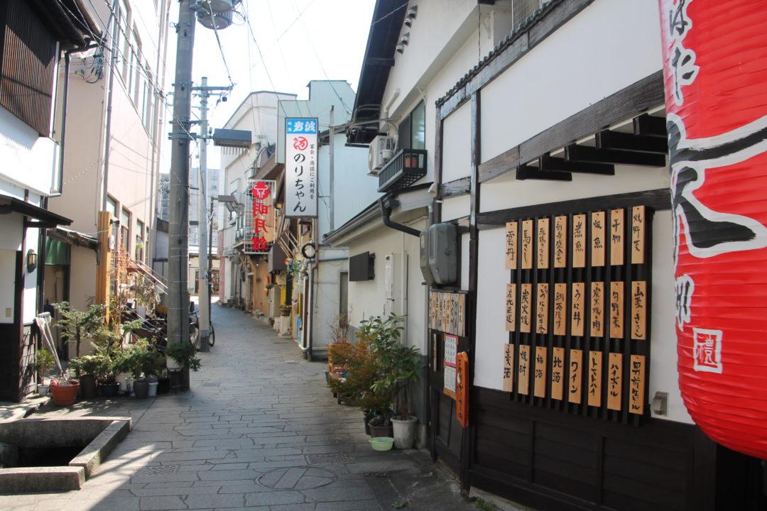 The Agetsuchi-machi Neighborhood Nawate