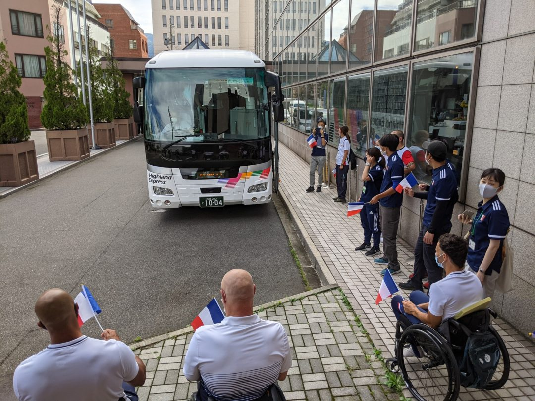 French Paralympic Cycling Team departure